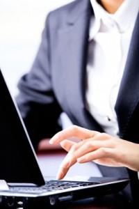 businesswoman.laptop